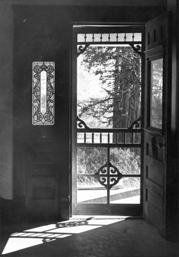 Old Farm Houses Nebraska - love old screen doors!!