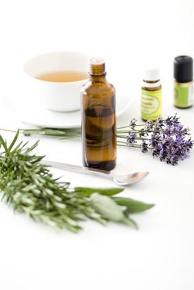 Ätherische Öle können bei Narben helfen