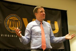 Sen. Warner pushes for student debt relief plan at VCU | WTVR.com