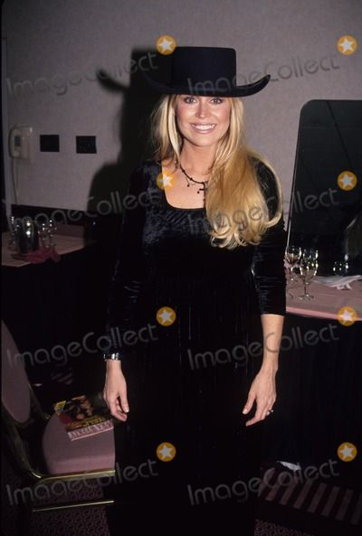 Photos and Pictures - Catherine Hickland with Michael Knight L7433eg Photo by Ed Geller-Globe Photos, Inc.