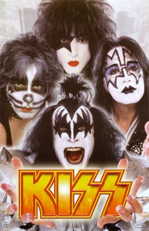 Kiss are my favourite rock band of all time but I still like Blue Brothers, Arctic monkeys , Oasis and Ternaious D etc...