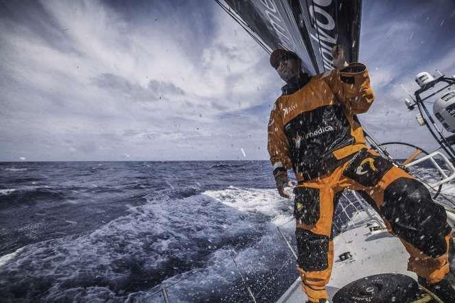 Itajai, Brazil - Amory Ross/Team Alvimedica/Volvo Ocean Race : Nesta imagem fornecida pela Volvo Ocean Race, Seb Musset, a bordo da equipa Alvimedica, durante uma tempestade em Itajaí para Newport, na ilha Rode EUA, a 21 de abril.   via Getty Images