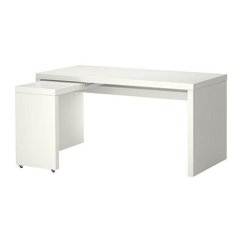 IKEA - MALM, 799kr Skrivbord med utdragsskiva, vit, , Den utdragbara bordsskivan gör att du får extra arbetsyta.Du kan samla sladdar och grenuttag på hyllan under bordsskivan, så är de dolda men nära till hands.Du kan montera den utdragbara arbetsytan till höger eller vänster efter behov.Du kan placera möbeln hur och var du vill i rummet eftersom den är ytbehandlad även på baksidan.
