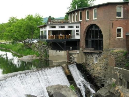 That's the Simon Pearce dining room perched over the falls. The glass-blowing shop is down below. NOT TO BE MISSED