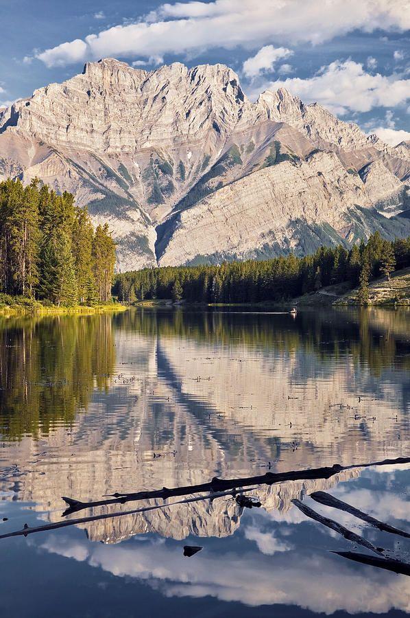 ✮ Johnson Lake and Cascade Mountain, Banff National Park, Alberta - Canada