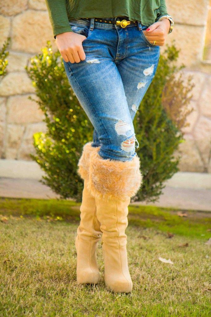 Botas a la rodilla con peluche.  Marca Victoria´s Secret.  Flayed jeans o Ripped jeans, Jeans rotos. visita www.esteesmilook.com