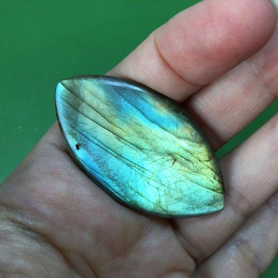Flashy blue labradorite cabochon for jewellery making by Gemsplusleather - 6$ #minerals #gem #gemstone #gemstones #gems #GemsPlusLeather #labradorite #cabochon #flashy #jewelry #jewellery #supplies #blue #diy #handmade #supply