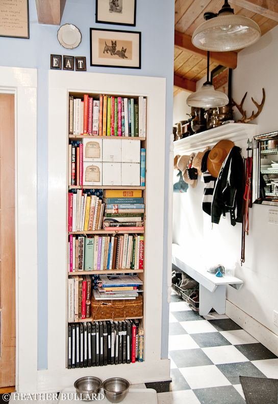 built in bookshelf for cookbooks in the kitchen, oh I love this idea! I'm tired of trying to hunt through drawers or wherever for cookbooks and lost recipe cards