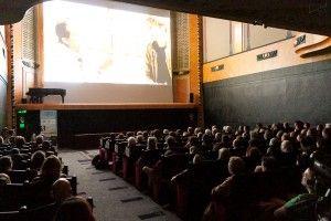"""Nouvelle Acropole, Projection-Débat """"En Quête de Sens"""", cinéma le Louxor, Paris."""