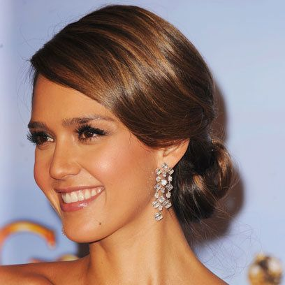 Jessica Alba Low Loose Bun Hair Trend Peinados
