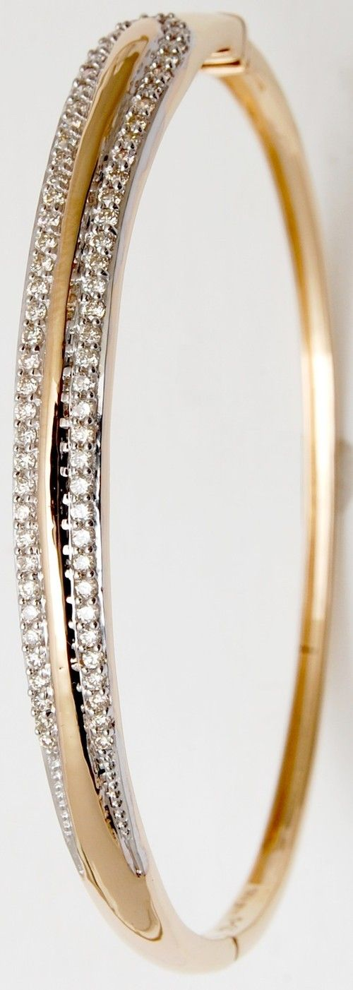Indian Gold Jewellery Designs Online - See more stunning jewelry at StellarPieces.com!