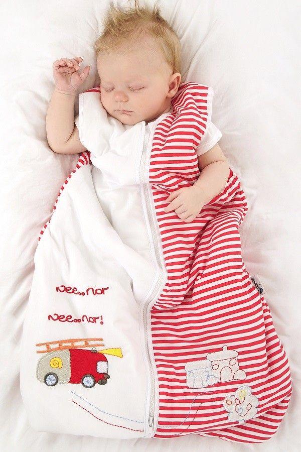 """""""FEUERWEHR"""" - Unser Schlummersack Sommerschlafsack Design Feuerwehr ist aus rot/weiß gestreiften Baumwollstoff gefertigt und schön bestickt mit einer Feuerwehr im Einsatz. Das Innenfutter ist auch aus 100% Baumwolle. Den Feuerwehr Sommerschlafsack gibt es auf www.schlummersack.de in 5 Größen."""