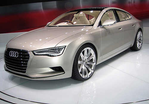 Audi A7 is one of the most successful model of the German Luxury car manufacturer. The luxo barge is built with innovative technologies and enhanced comfort, safety and environmental compatibility. The use of various sensors, driving assistance and intelligent electronic systems it becomes a landmark in its segment for safety quotient. Audi A7 is a car built on sophisticated technology which ensures safety, comfort and effortless superiority.