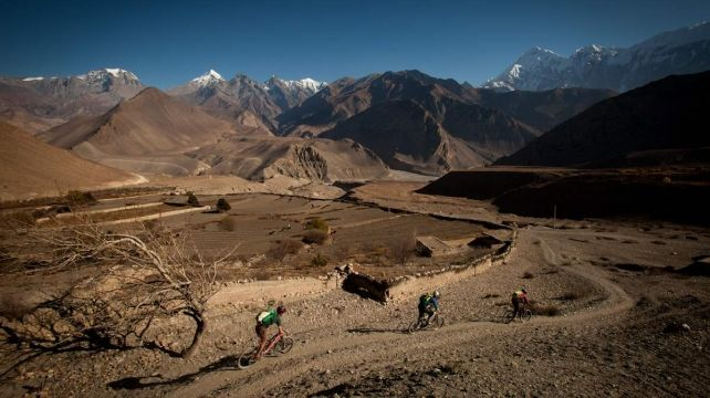 Grab your Mountain bike and head for the Himalayas | Mountain biking Holiday, Indian Travel Expedition | Combadi