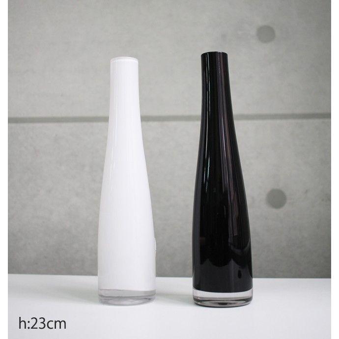 【商品情報】イケア/IKEA フラワーベース 花器 おしゃれ一輪挿し イケア/IKEA フラワーベース 花器 花瓶■仕様■■サイズ:高さ23cm 直径:5cm■ガラス製職人の手作業で作りますので多少の誤差はご了承ください。<関連キーワード>苔玉 デザイン ポット CT触媒加工 無光触媒 人工 造花 観葉植物 デコレーション パキラ ウンベラータ 春 夏 秋 冬 バンブー ローズ 和風 1万円で 送料無料 シンプル プレゼント 結婚祝い 新築祝い お誕生日 リビング おしゃれ オシャレ 北欧 インテリア アート プリザーブド グリーン訳あり カフェ ディスプレイ 店舗 装飾 無光触媒 カタログ CT触媒 フラワー アレンジメントikea イケア コストコ ダルトン フェイク 花器 フラワー ベース ガーデニング キッチン 光触媒 モダン 桜 松 苔 プロ デコレーション ファクトリー アートワークス 母の日 ギフト プレゼント セット プリザーブド アーティフィシャル フラワー バラ 花 デコレーション モダン 北欧