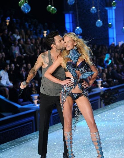 Adam Levine and girlfriend Anne Vyalitsyna at the Victoria ...