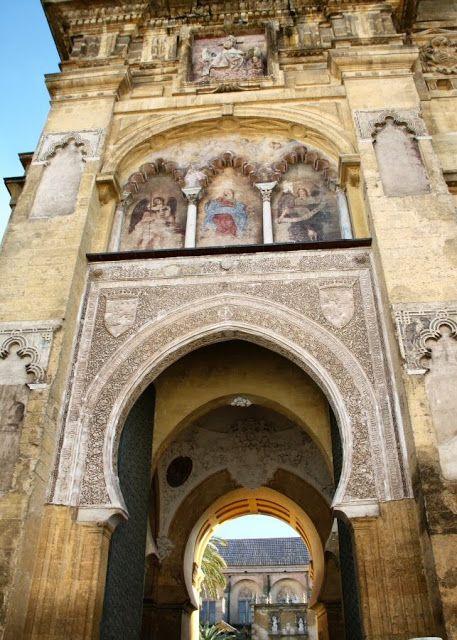 Maravillas ocultas de España: La Mezquita-Catedral de Cordoba.Una maravilla universal