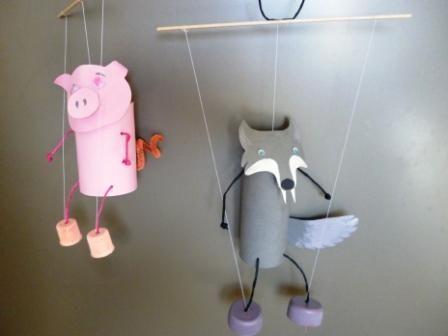 Créez des marionnettes avec de simples rouleaux de papier toilette.Découvrez…
