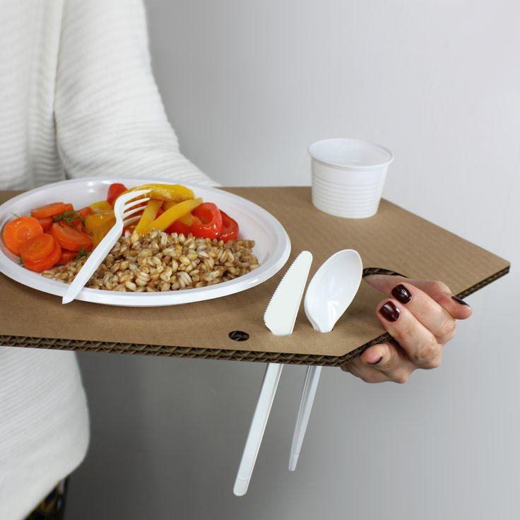 POLLICINO Vassoio posta piatto ecologico per pasti in piedi, buffet, party, nella variante in cartone. Riciclabile 100%. www.futility.it