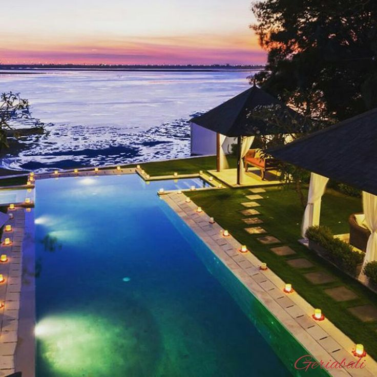 A treat for the eyes. A great view from the villa while we wait for dinner to be served ⠀ buff.ly/2k0JDpJ⠀ ⠀ #Bali #villas #sunset #travel #Instagram #balivillas #geriabali #ootd #balibible #dinner #luxwt #Facebook #luxuryvilla #trip #hgtv #nusadua #luxurypersian #arab #infinitypool #wonderlust #beautifuldestinations #luxury #theluxurycollection #villainbali #beachfront #theluxurylifestylemagazine #tbt #holiday #honeymoon #vacation