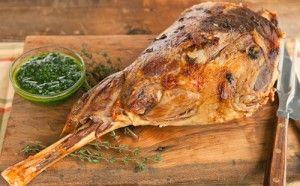 Баранья нога, запеченная в духовке: 6 секретов идеального блюда