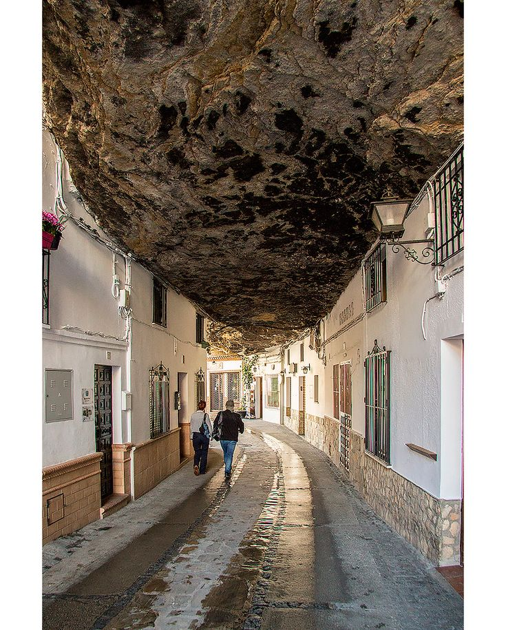 Setenil de las Bodegas i Andalusien