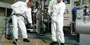 Tyvek® Industry   DuPont.  http://www.Dreumex.com