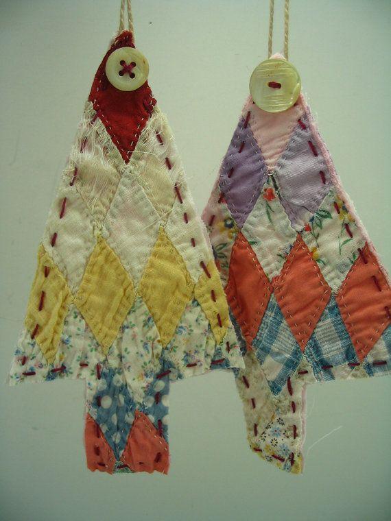 Vintage Quilt Tree Ornaments: Idea, Vintage Quilts, Quilts Christmas, Old Quilts, Quilts Blocks, Quilts Trees, Christmas Ornaments, Christmas Trees Ornaments, Christmas Tree Ornaments