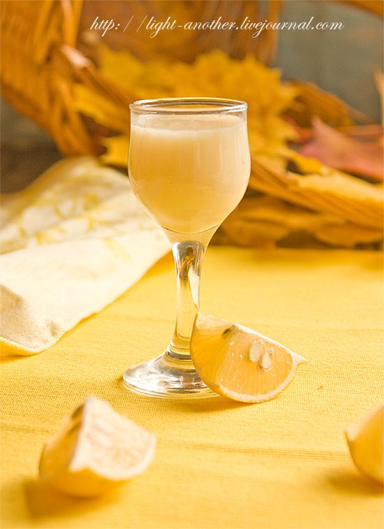 Следующий эликсир будет лимонный. Он не менее ароматный, чем апельсиновый. И у него тоже нашлись свои поклонники. Сладко, вкусно! Все как мы любим. Чисто женский…