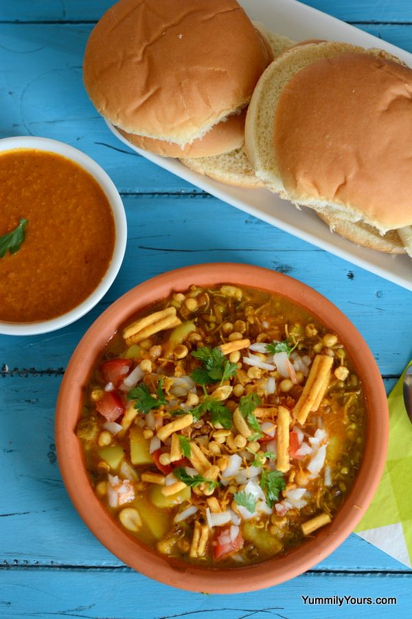 Potato-bean Sprouts Stew served with dinner rolls.. Food from the streets of Mumbai, India