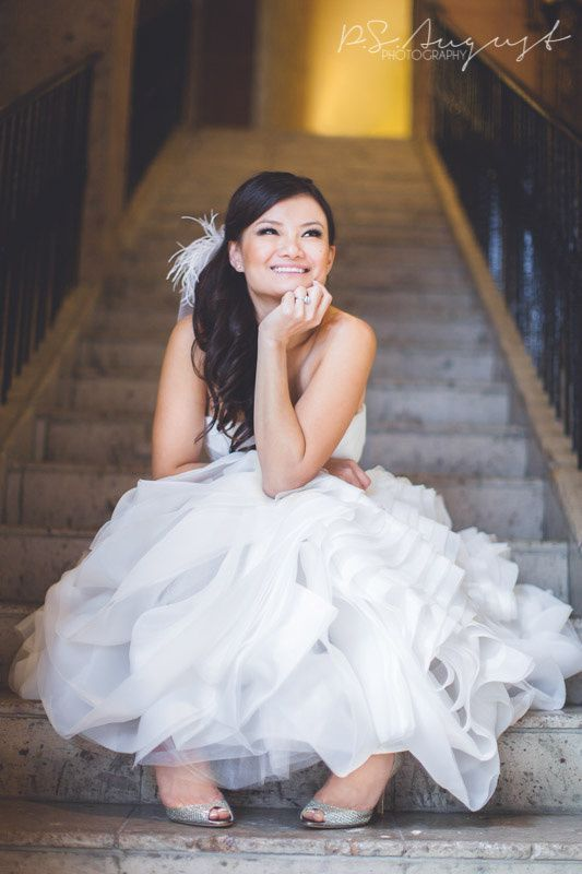 channeling Marilyn Monroe in this bridal portrait