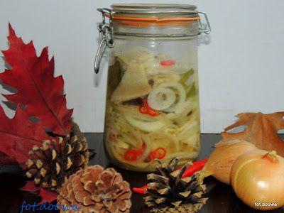 Moje Małe Czarowanie: Śledzie warstwowe z cebulą i olejem
