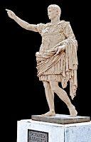 Augusto prima porta, aparece un niño cabalgando en un delfín, símbolo de la familia, lleva el traje militar, su coraza reproduce la coraza metálica del emperador en el que su relieve presenta la pacificación de hispania y las galias, sigue el arquetipo griego, tiene un tratamiento del cuerpo parecido al clasicismo griego y esta en actitud de contraposto. Augusto como pontífice máximo  y augusto divinizado.
