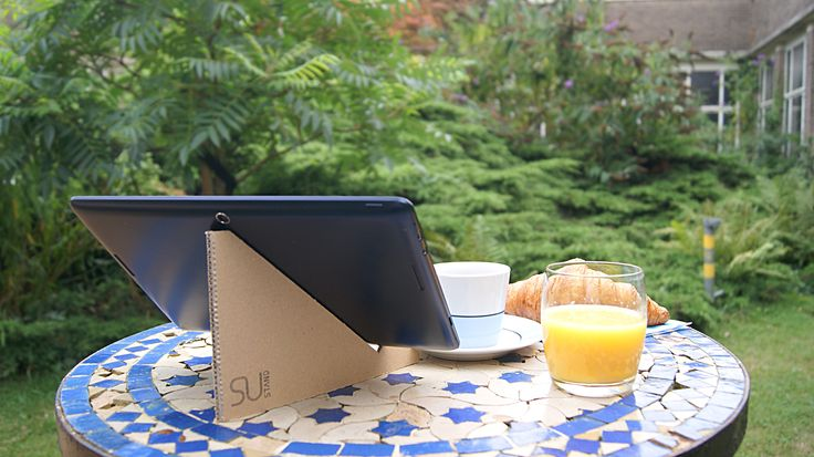 Sustainable Universal STAND for your tablet