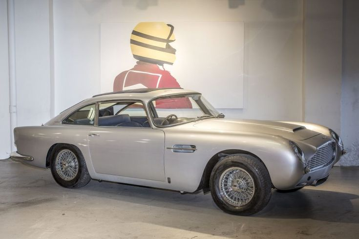 MossGreen Aston Martin DB5