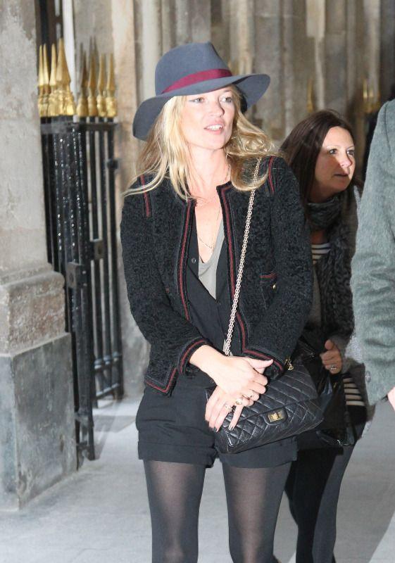 celeb celebrity wearing chanel reissue flap bag camera case purse