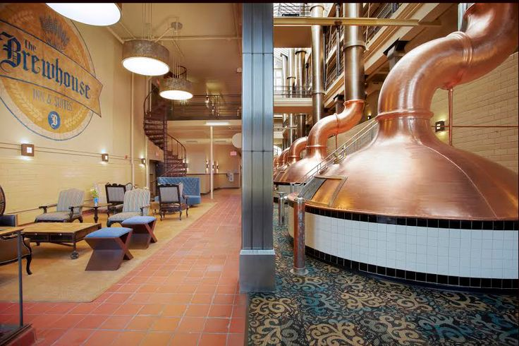 Located in Milwaukee, The Brewhouse Inn & Suites is just minutes from the Historic Pabst Brewery, BMO Harris Bradley Center and Milwaukee Art Museum. Don't forget to quench your thirst with your favorite drink at this #boutiquehotel's lounge!   https://stayful.com/milwaukee-hotels/the-brewhouse-inn-suites