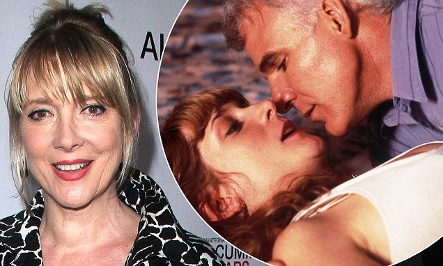 Steve Martin leads tributes to co-star Glenne Headly