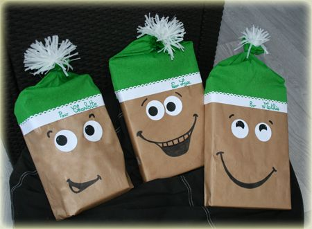 Emballage cadeau de noël original et rapide : l'emballage lutin de noël !