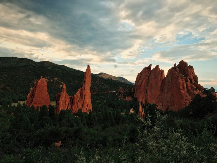 Colorado Springs, United States. Travel blog http://trvl-blog.com about living in the United States. Manitou Springs. Red Rock Canyon. Garden of the Gods. Manitou Incline. туризм в колорадо-спрингс, сша, жизнь в америке, колорадо, маниту-спрингс колорадо, туризм в колорадо, garden of the gods colorado usa