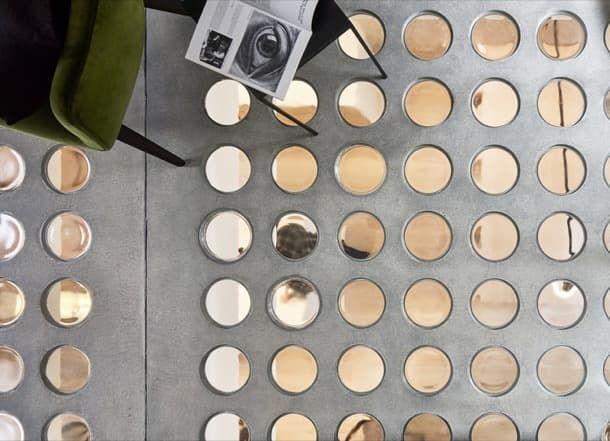 Perf House: casa con vidrio en los forjados. Durante la reforma de una casa londinense se incorporó vidrio en los forjados de la planta baja. Esta estrategia favoreció el paso de la luz a los espacios inferiores del edificio.  A la hora de realizar este proyecto, se tuvo muy en cuenta el interés de los clientes por llevar algo de su... #Arquitectura, #Decoración