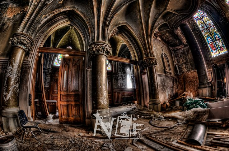 Abandoned+Church