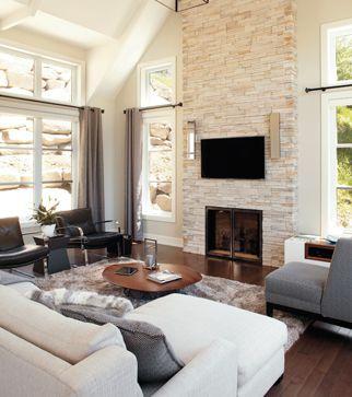 Une maison au possibilités nouvelles   CHEZ SOI © TVA Publications   Yves Lefebvre #sejour #foyer
