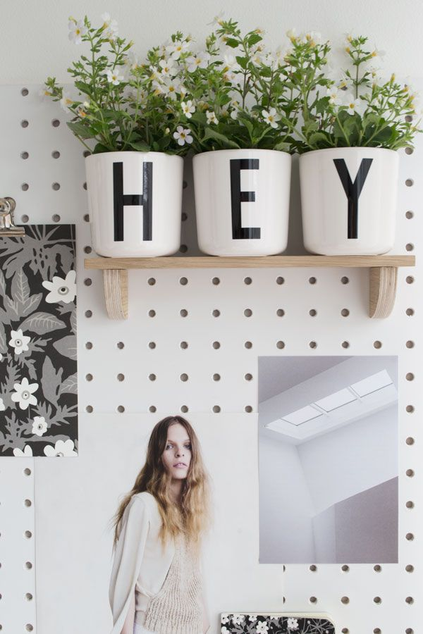 A fresh summer look in my monochrome workspace with Arne Jacobsen's typographic designs by Design Letters & Friends. Anemone flower and letter collection.
