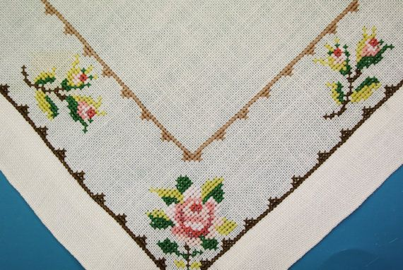 Very well done vintage 1950s handmade embroidered cross-stich rose flower motive on bone white linen tablet/ table-cloth