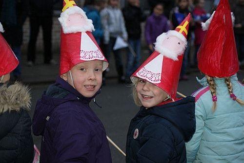 NEERPELT - Gisteren was Sinterklaas te gast in basisschool de Regenboog op de Grote Heide. Hij werd daar, samen met 5 zwarte Pieten, hartelijk onthaald. Alle kinderen gaven het beste van …