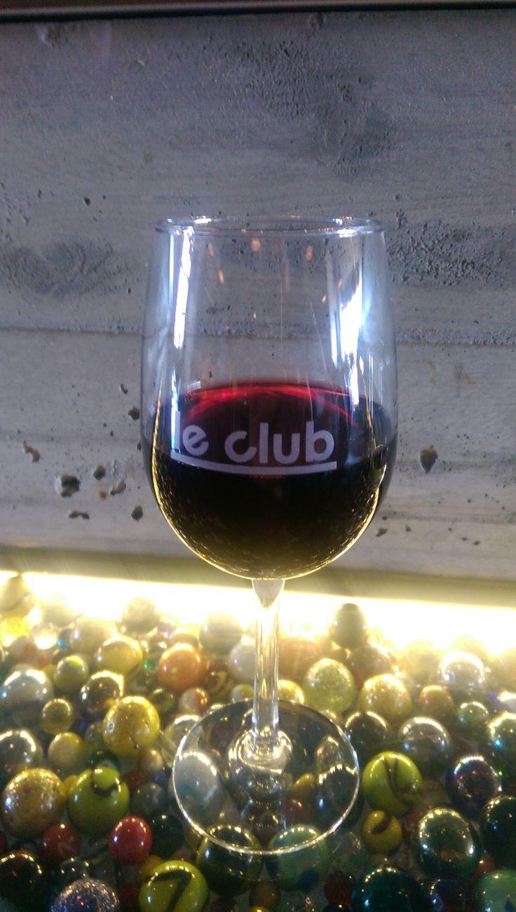 Le Bar à vin - Bistro Le Club au Quartier Dix30 #bar #vin #wine bar #tapas #cellier #Dix30 #wine #restaurant