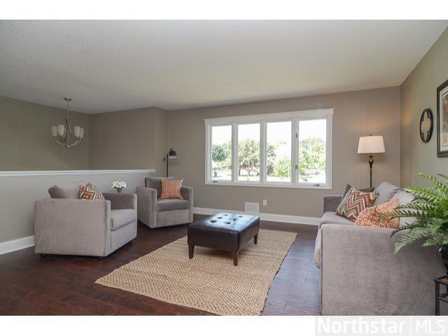 amazing split level living room | living room setup. split level Furniture placement with ...