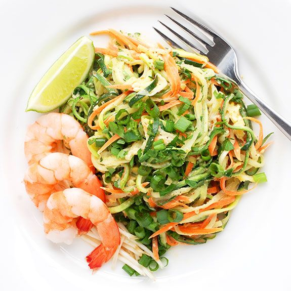 Yummy Paleo Pad Thai- an addictive, low carb, completely gluten free Pad Thai! You need to try this.