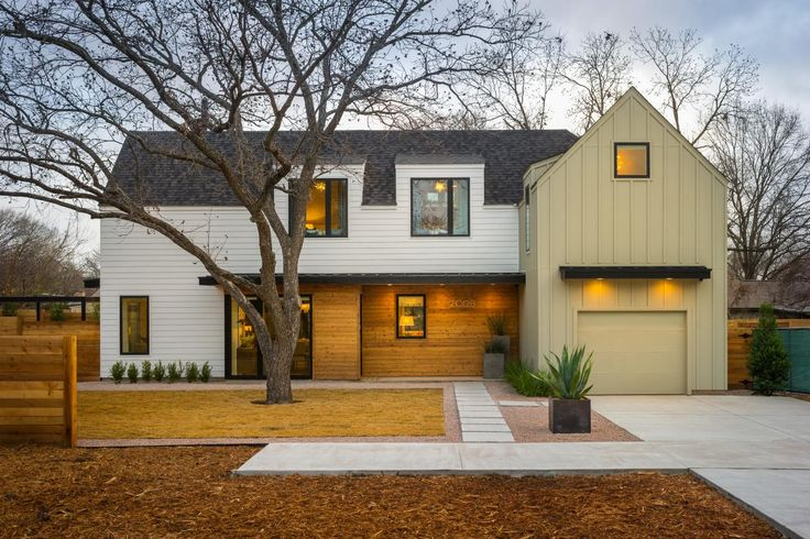 """With a modern Austin farmhouse style, this simple home is as stylish as it is efficient. """"It's intended to be a very contemporary landscape,"""" explains the house planner Jack Thomasson. """"It feels very contemporary, clean and simple."""":"""